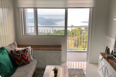 Modern Country Family Suite w/ Stunning Taal View