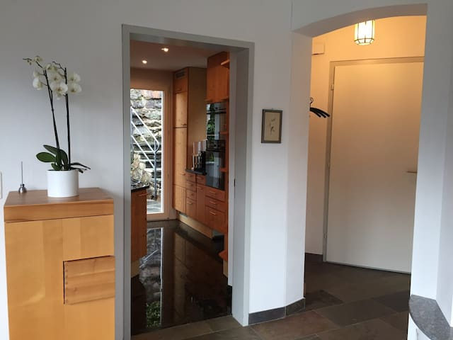 Typisches Tessiner-Ferienhaus - Vico Morcote - บ้าน