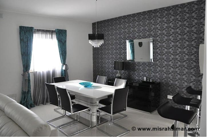Designer finished apartment - Qala