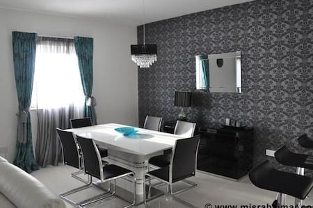 Designer finished apartment - Qala - Flat