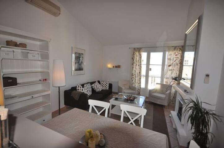 Bel appartement duplex Aix - Aix-en-Provence - Apartment