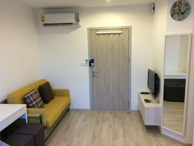 Spacious Studio near Grand Palace - Bangkoknoi - Condominium