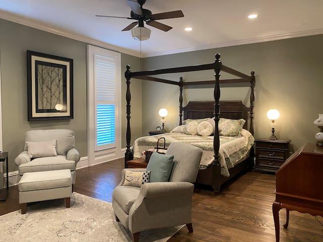 Belle Louise Historic Guest House-Master Suite