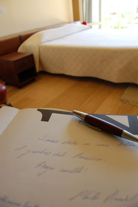Una suite incentro bed and breakfasts for rent in jesi - B b le finestre sul centro jesi an ...