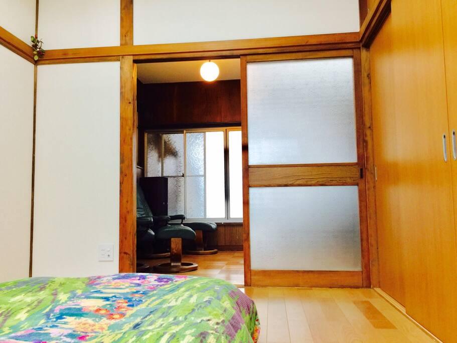 Bedroom to livingroom