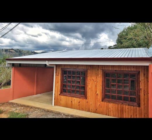 Casa en la mejor zona cafetalera de Costa Rica
