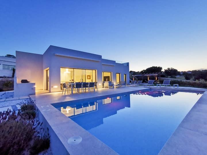 Beautiful villa - Las Colinas Golf & Country Club