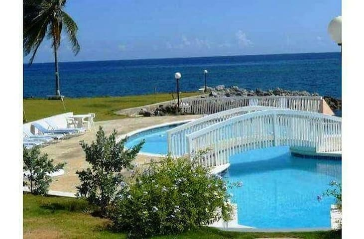 Chatamville  at Seapalms. - Ocho Rios - Huoneisto