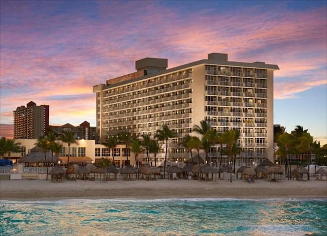 Luxury stay at the Miami Beach, the place to be!!