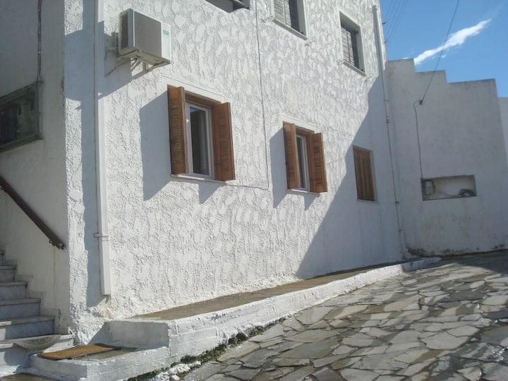 Gavrio Apartment