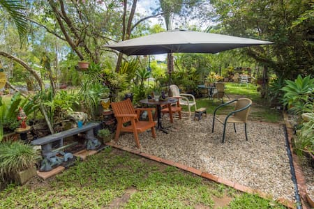 BOWER BIRD BED AND BREAKFAST