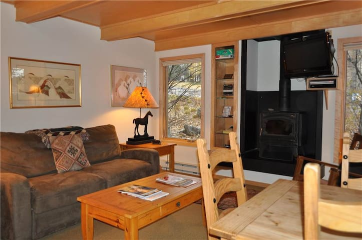 RMR: Charming 1 BR -Great Ski Access + Free Fun!