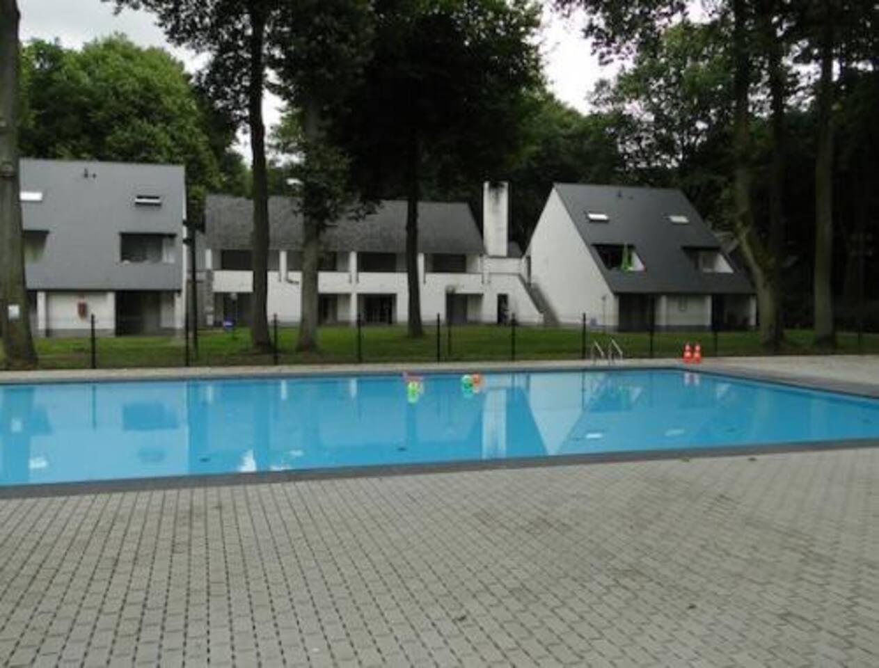 verwarmd openluchtzwembad van 1 juni tot 15 september