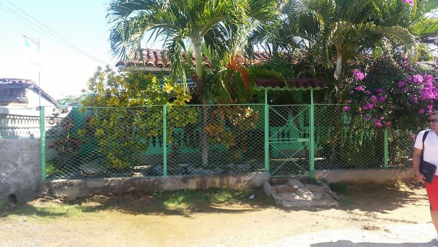 Casa Ismael y Laura número de la casa +53 53311903