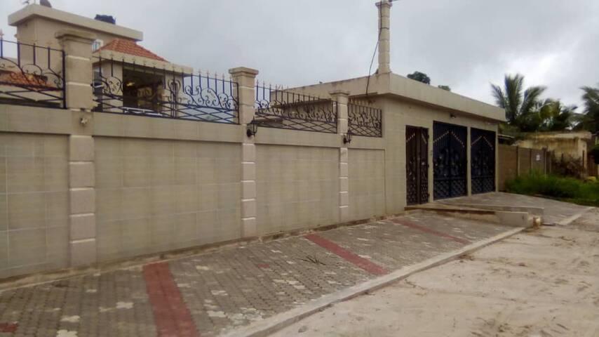 Villa 5 etoiles a Lome - Qaurtier Sagbado