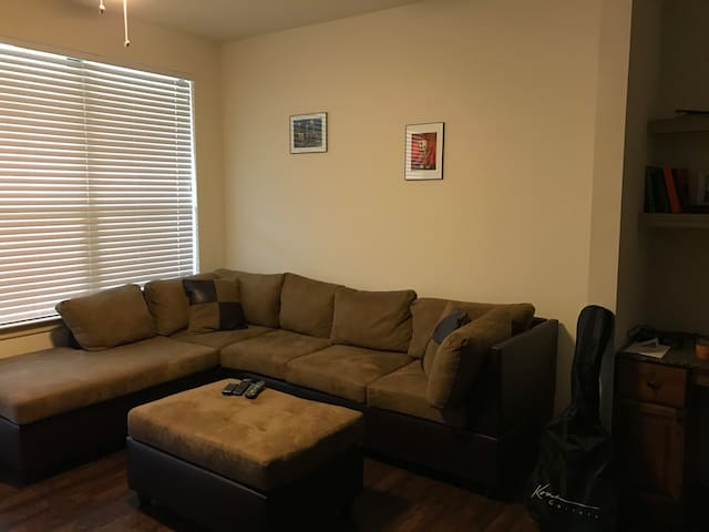 Great location for Super Bowl! - Humble - Apartment