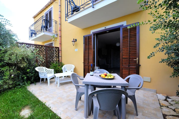 House with 2 bedrooms in Marsala, with wonderful sea view, enclosed garden and WiFi - 100 m from the beach