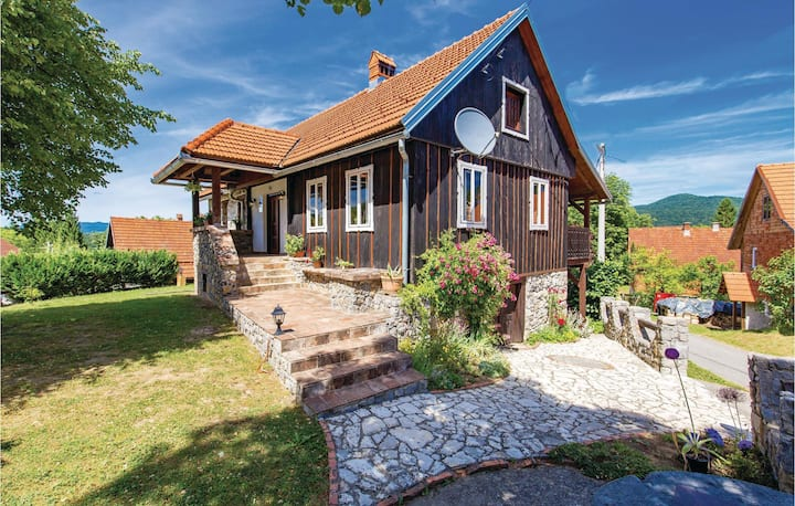 Stunning home in Lukovdol with WiFi and 3 Bedrooms