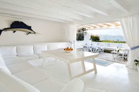 Amazing 4-bedroom villa w. Sea view - Porto Rotondo