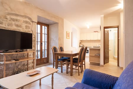 KOTOR OLD TOWN 1 BEDROOM APARTMENT WITH BALCONY - Apartamento