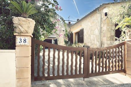 Duplex de piedra con jardín, balcón - Colonia Sant Pere