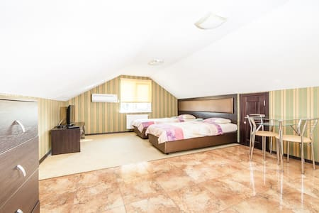 Уютный номер в мини отеле - Kiev - Bed & Breakfast