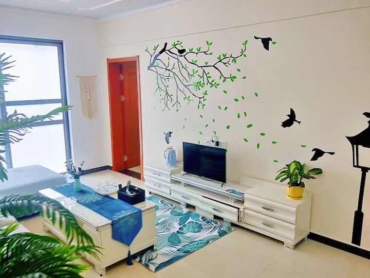 一叶知秋·宇鑫国际简约两居室,近商字、万达、火车站