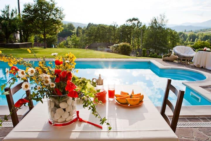La Taverna Bed&Breakfast - Albareto - Bed & Breakfast