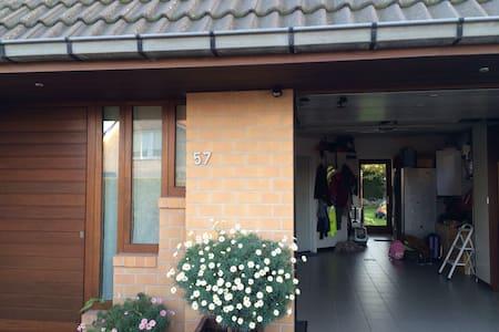 Ruime villa dicht bij de kust - Veurne