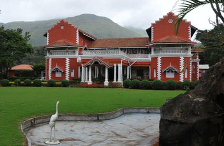 Thippanahalli Heritage bungalow