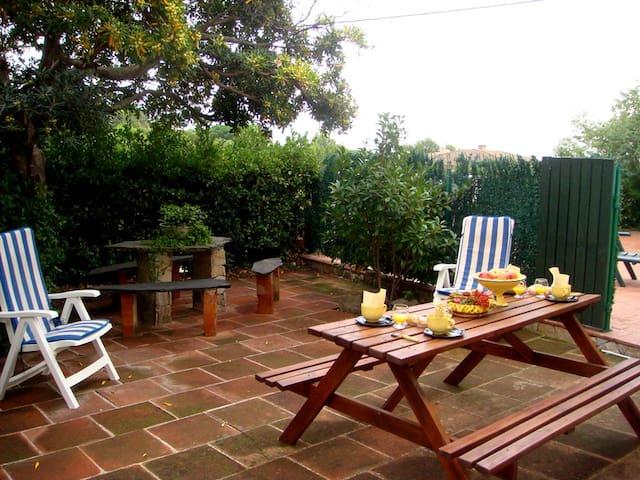 051 Apartment with a large terrace near the beach - Llançà - Wohnung