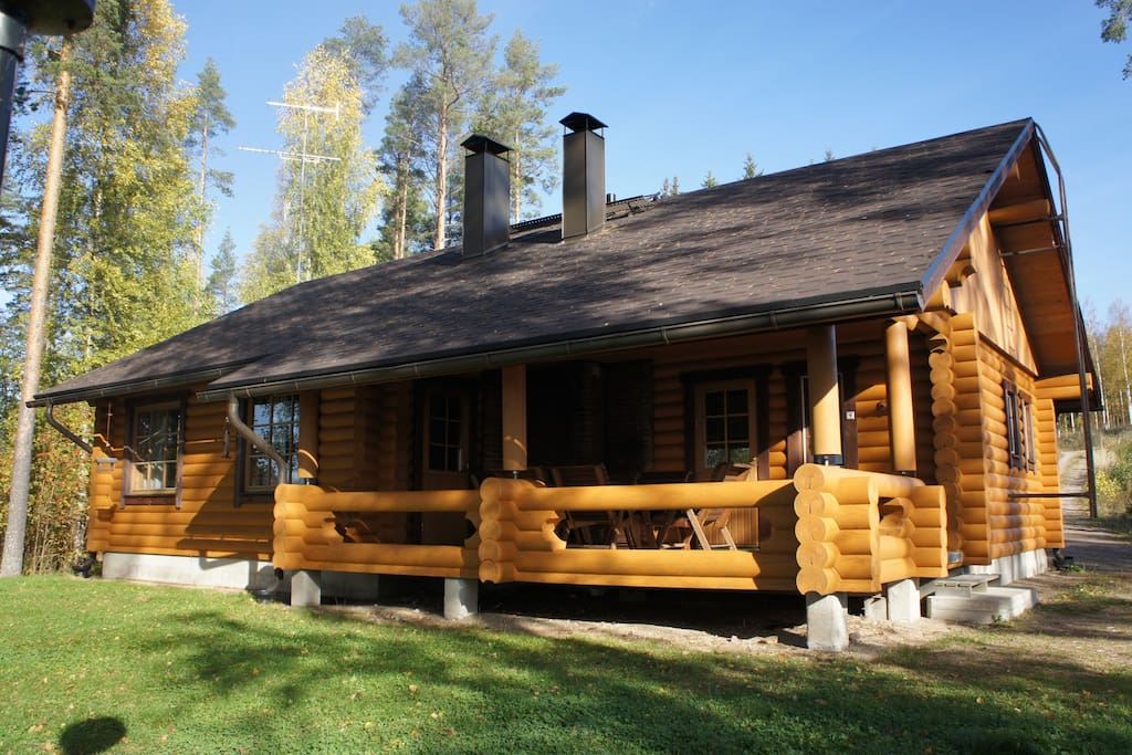 Karhunpes Spacious Log Cabin For 8 Villas For Rent In Savonlinna It Suom