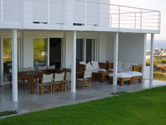 Stylish and Comfortable Villa - Es Mercadal