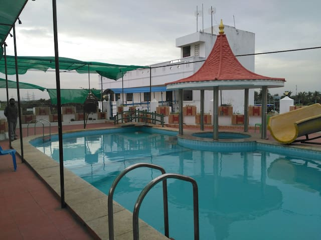 FiveStar Resorts with Bar and Wines - Mullodai - Guesthouse