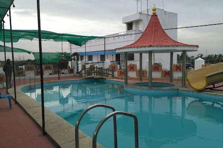 FiveStar Resorts with Bar and Wines - Mullodai - Gjestehus