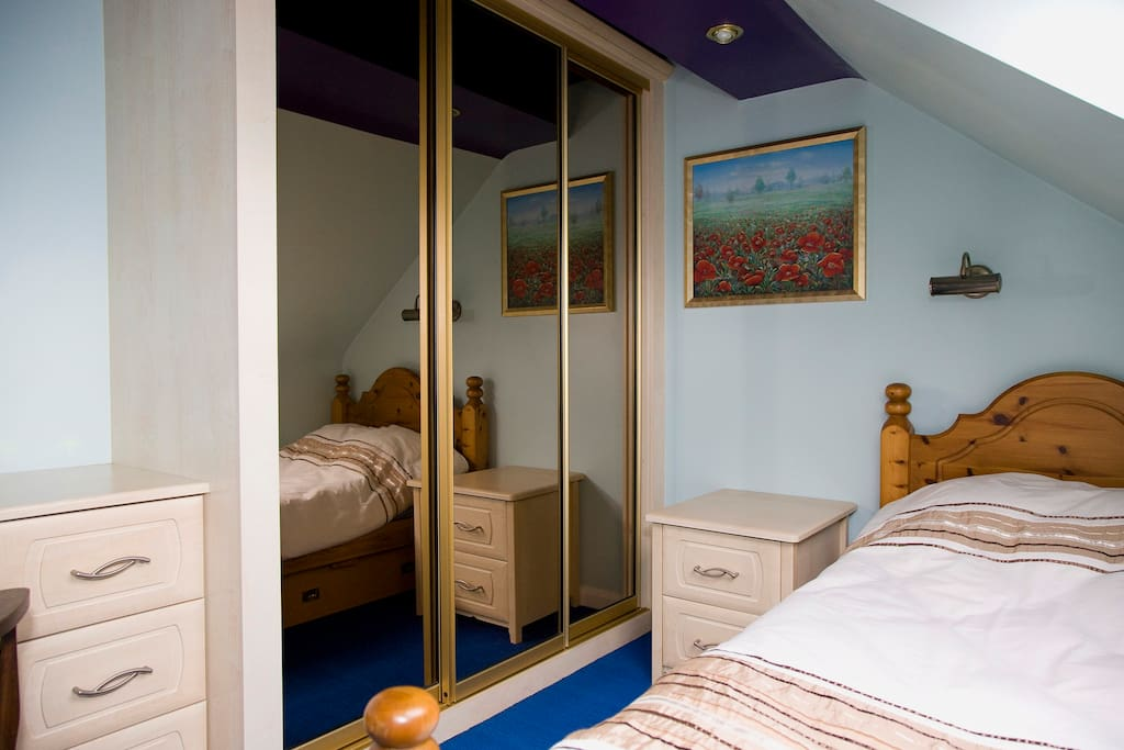 Single room in loft