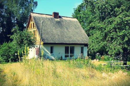Ferienhaus im Naturschutzgebiet - Dinnies - Talo