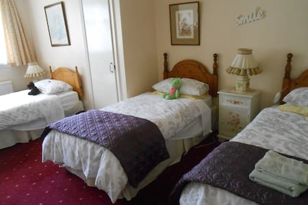 Rose Villa Bed and Breakfast - Forfar - Bed & Breakfast