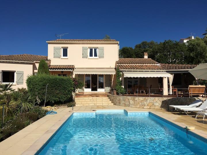 Belle villa avec vue mer et piscine