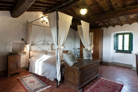 """Historic Cottage in Tuscany: the """"Tower"""""""