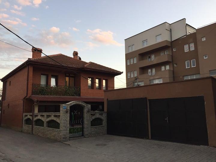 Cozy & Comfortable House, Fush Kosov
