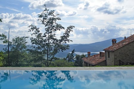Vallorsaia, Private pool with view!