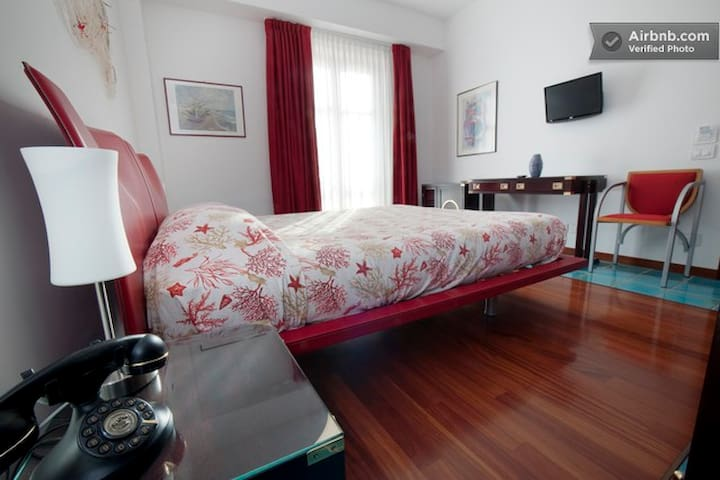B&B ALampetia Cetraro - Red Room - Cetraro - Bed & Breakfast