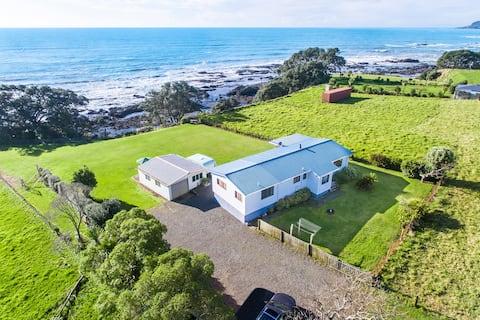 Airi Kainga - Seaside Holiday Home