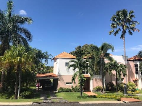 Villa de Playa y Golf para alquiler vacacional