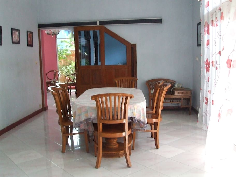 Dream home casas en alquiler en surakarta central java for Salle a manger java