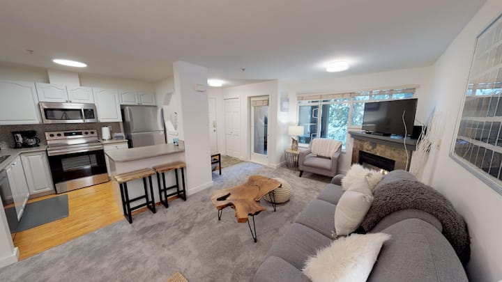 Upgraded 1 bedroom/ 2 bathroom Steps from Whistler Village