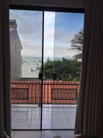 Apartamento com Vista para Praia