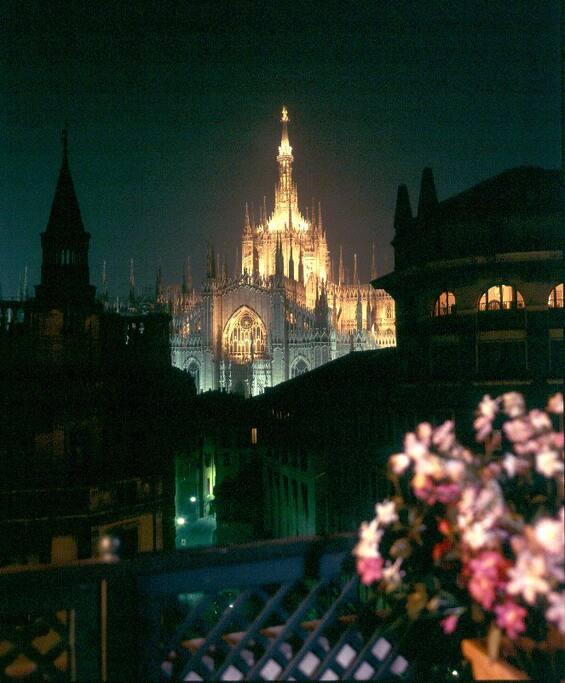 Night Duomo panoramic view from Livingroom