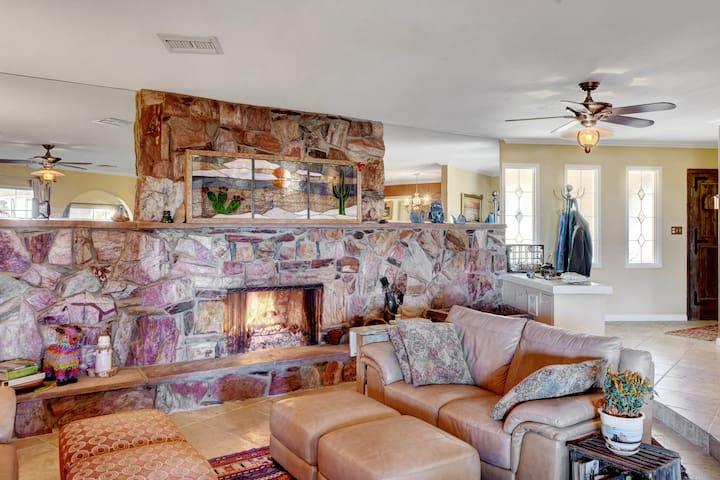 Casa De Sunrise Mountain Houses For
